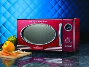 four-micro-ondes-retro-annees-50