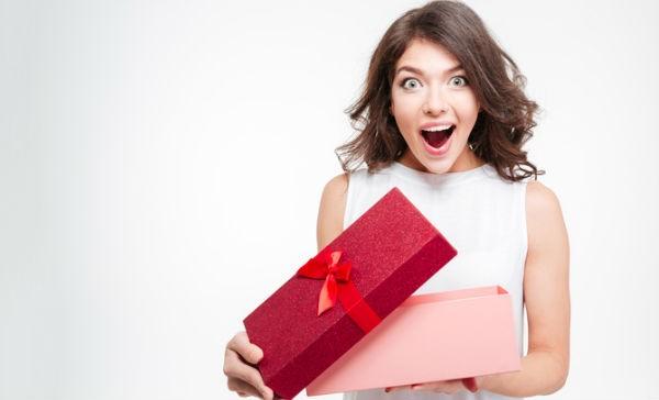 Pour Idées Femme 2019 En Une Meilleures Cadeaux Août Nwm8n0yOv
