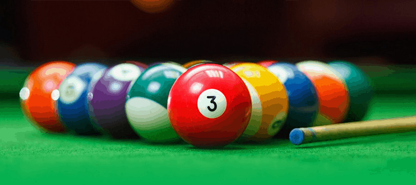 boules sur table de billard