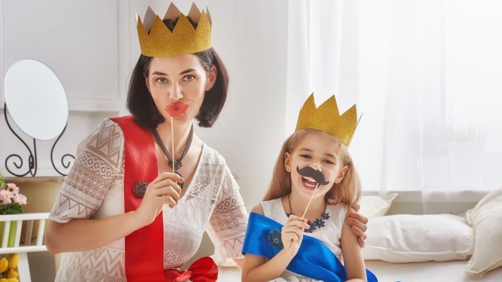 mère et fille qui se déguisent