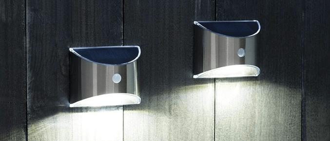 lampes solaires attachées