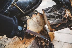 tailler avec une scie sabre