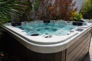 spa de jardin moderne