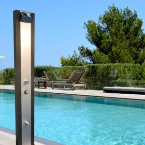 douche de jardin solaire moderne