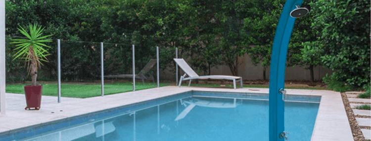 douche de jardin solaire pour la piscine